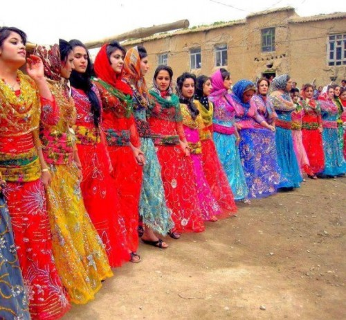 iran traditional clothes